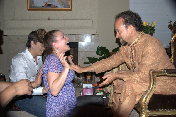 apr-6-2012-darshan-040