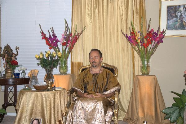 may-12-2012-darshan-at-42-la-serra-001