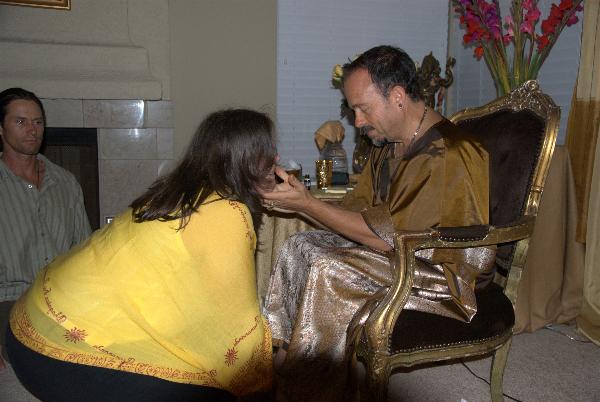 may-12-2012-darshan-at-42-la-serra-005