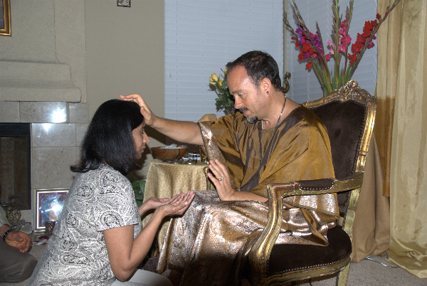 may-12-2012-darshan-at-42-la-serra-020