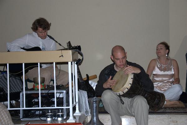 may-12-2012-darshan-at-42-la-serra-069