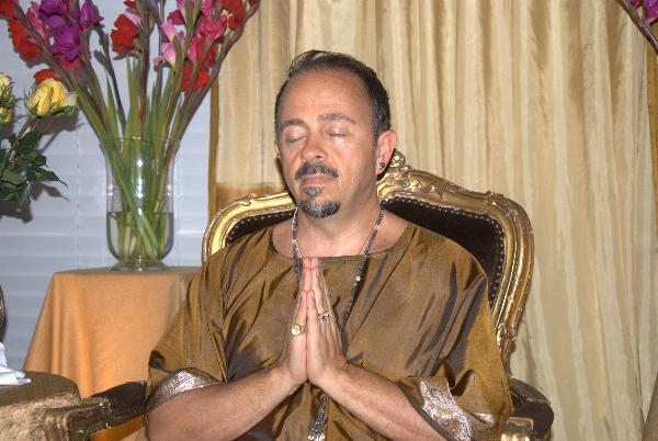 may-12-2012-darshan-at-42-la-serra-077