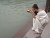 Guruji\'s offering at the Ganges